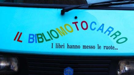 Bibliomotocarro 01