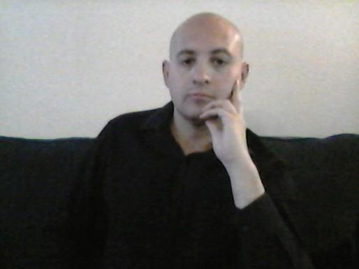 Author 1.jpg